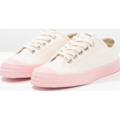 Novesta STAR MASTER COLOR SOLE Tenisówki i Trampki beige/pink. Brązowe tenisówki damskie Novesta, z materiału. W wyprzedaży za 144,50 zł.