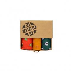 Box Świąteczny (1)- Skarpetki. Zielone skarpetki męskie Sox in the box, z bawełny. Za 80,00 zł.