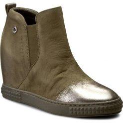Sneakersy CARINII - B3771/N I43-000-PSK-B88. Zielone sneakersy damskie marki Carinii, z materiału. W wyprzedaży za 259,00 zł.
