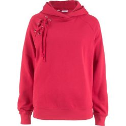 Bluza z kapturem i sznurowaniem bonprix czerwony. Czerwone bluzy rozpinane damskie bonprix, z kapturem. Za 69,99 zł.