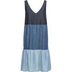Sukienka dżinsowa bonprix niebieski. Niebieskie sukienki bonprix. Za 89,99 zł.