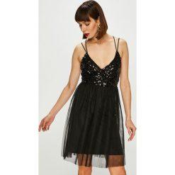 Only - Sukienka. Szare sukienki mini marki ONLY, na co dzień, l, z materiału, casualowe, na ramiączkach, rozkloszowane. Za 149,90 zł.