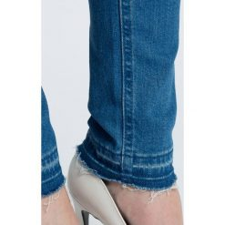 Levi's - Jeansy Line 8. Brązowe jeansy damskie marki Levi's®. W wyprzedaży za 199,90 zł.