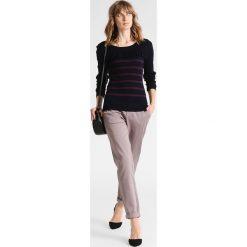 Swetry klasyczne damskie: Kaffe BERRIE  Sweter midnight marine/dark jewel