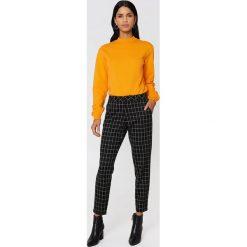 NA-KD Basic Bluza basic - Orange. Różowe bluzy damskie marki NA-KD Basic, prążkowane. Za 100,95 zł.