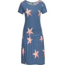 Sukienka shirtowa bonprix niebieski dżins. Niebieskie sukienki mini marki bonprix, z okrągłym kołnierzem, z krótkim rękawem. Za 34,99 zł.