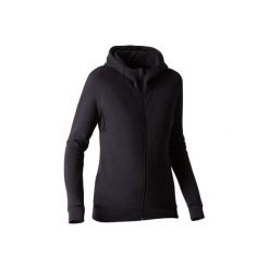 Bluza na zamek z kapturem Gym & Pilates Free Move 540 damska. Czarne bluzy rozpinane damskie marki DOMYOS, xs, z bawełny, z kapturem. W wyprzedaży za 74,99 zł.