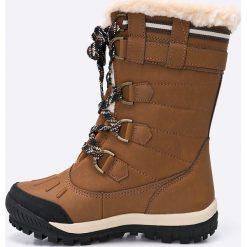Bearpaw - Śniegowce Desdemona. Brązowe botki damskie na obcasie marki Bearpaw, z materiału, z okrągłym noskiem, na sznurówki. W wyprzedaży za 399,90 zł.