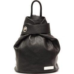 Plecaki damskie: Skórzany plecak w kolorze czarnym – (S)34 x (W)34 x (G)14 cm