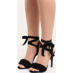 Czarne Sandały Researcher. Czarne sandały damskie Born2be, z materiału, na wysokim obcasie, na obcasie. Za 59,99 zł.