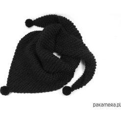Apaszki damskie: czarna chusta z pomponami zrobiona na drutach