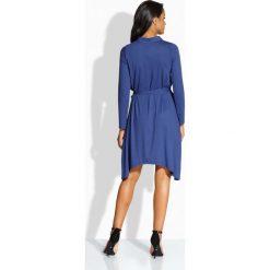 Sukienki: Asymetryczna sukienka z kołnierzykiem granatowa