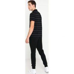 Lacoste Sport STRIPE Koszulka polo black/inkwellwhitelead grey. Czarne koszulki polo Lacoste Sport, m, z bawełny. Za 359,00 zł.