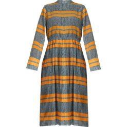 NORR BARBARA DRESS Długa sukienka yellow. Szare długie sukienki NORR, m, z materiału, z długim rękawem. Za 579,00 zł.