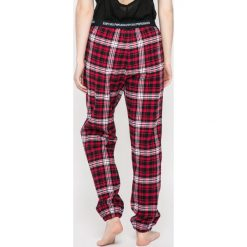 Emporio Armani - Spodnie piżamowe. Szare piżamy damskie Emporio Armani, l, z bawełny. W wyprzedaży za 219,90 zł.