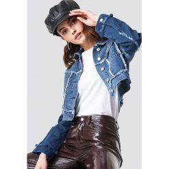 NA-KD Krótka kurtka jeansowa - Blue. Niebieskie bomberki damskie NA-KD, z denimu. Za 242,95 zł.
