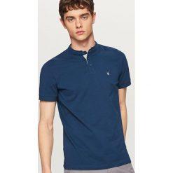 Odzież męska: Koszulka polo z haftowaną aplikacją – Granatowy