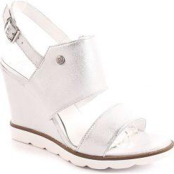 Rzymianki damskie: Sandały skórzane na koturnie srebrne Juma