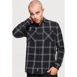 Koszula w kratę regular fit - Czarny. Czarne koszule męskie marki Cropp, l. Za 79,99 zł.