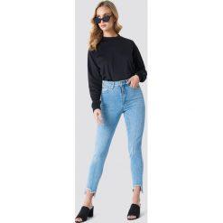 Spodnie damskie: NA-KD Jeansy slim z wysokim stanem - Blue