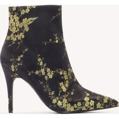 Botki damskie lity: NA-KD Shoes Satynowe botki w żakardowe kwiaty - Multicolor