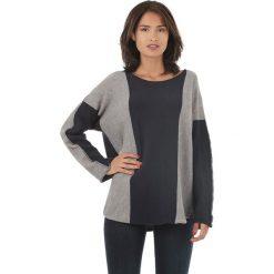 Sweter w kolorze szaro-granatowym. Niebieskie swetry klasyczne damskie marki L'étoile du cachemire, z kaszmiru. W wyprzedaży za 129,95 zł.
