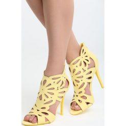 Żółte Sandały Saturday Vogue. Żółte sandały damskie marki Born2be, z materiału, na wysokim obcasie, na obcasie. Za 99,99 zł.