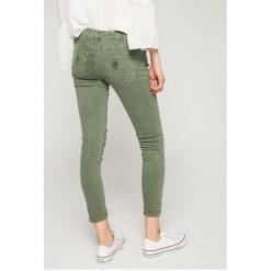 Answear - Jeansy. Szare jeansy damskie marki ANSWEAR. W wyprzedaży za 99,90 zł.