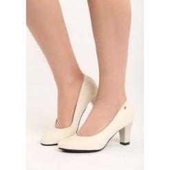 Beżowe Czółenka Lovers. Brązowe buty ślubne damskie Born2be, ze skóry, z okrągłym noskiem, na niskim obcasie, na słupku. Za 69,99 zł.