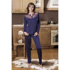 Damska piżama Serafino. Brązowe piżamy damskie marki Astratex, w koronkowe wzory, z dzianiny. Za 162,99 zł.
