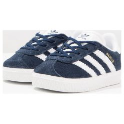 Adidas Originals GAZELLE I Tenisówki i Trampki collegiate navy/footwear white. Niebieskie tenisówki męskie marki adidas Originals, z materiału. W wyprzedaży za 149,25 zł.