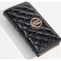 Pikowany portfel - Czarny. Czarne portfele damskie Mohito. Za 59,99 zł.