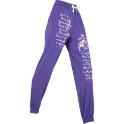 Spodnie sportowe, długie, Level 1 bonprix hiacyntowy z nadrukiem. Fioletowe spodnie dresowe damskie marki DOMYOS, l, z bawełny. Za 89,99 zł.