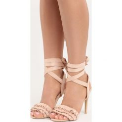 Beżowe Sandały Researcher. Białe sandały damskie marki Reserved, na wysokim obcasie. Za 59,99 zł.