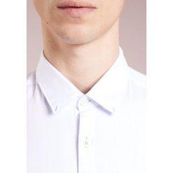 Koszule męskie na spinki: BOSS ATHLEISURE BAYNI REGULAR FIT Koszula white