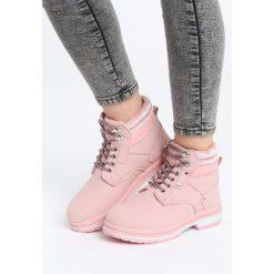 Różowe Traperki Sooth. Czerwone buty zimowe damskie Born2be, z materiału, z okrągłym noskiem, na płaskiej podeszwie. Za 89,99 zł.