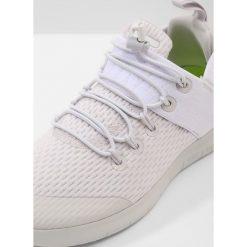 Buty do biegania damskie: Nike Performance NIKE FREE RN CMTR 2 Obuwie do biegania neutralne vast grey/white