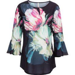 Bluzka w kwiatowy wzór bonprix ciemnoniebiesko-zielono-jasnoróżowy w kwiaty. Niebieskie bluzki z odkrytymi ramionami marki bonprix, z nadrukiem. Za 89,99 zł.