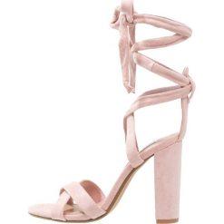 Sandały damskie: Steve Madden CHRISTEY Sandały na obcasie pink