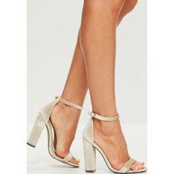 Missguided - Sandały. Szare sandały damskie na słupku marki Missguided, z materiału. W wyprzedaży za 89,90 zł.