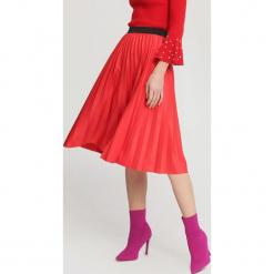 Czerwona Spódnica Pleated Story. Czerwone długie spódnice marki other, uniwersalny. Za 69,99 zł.
