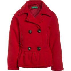 Benetton Kurtka przejściowa red. Czerwone kurtki dziewczęce przejściowe marki Benetton, z bawełny. Za 209,00 zł.