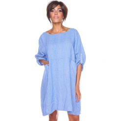"""Sukienki hiszpanki: Lniana sukienka """"Mia"""" w kolorze niebiesko-białym"""