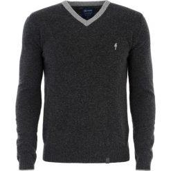 Sweter męski Draco 4. Szare swetry klasyczne męskie Ochnik, na jesień, m, z poliamidu, z kontrastowym kołnierzykiem. Za 79,90 zł.