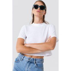 T-shirty damskie: NA-KD Krótki t-shirt - White