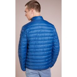 Barbour PENTON QUILT Kurtka przejściowa indigo. Niebieskie kurtki męskie przejściowe Barbour, l, z materiału. Za 919,00 zł.