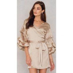Sukienki hiszpanki: Hot & Delicious Satynowa sukienka z rękawem typu balon - Brown,Beige