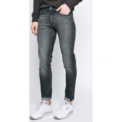 Calvin Klein Jeans - Jeansy. Szare jeansy męskie skinny marki Calvin Klein Jeans, z bawełny. W wyprzedaży za 299,90 zł.