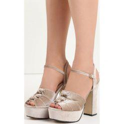 Ciemnobeżowe Sandały Ambrosia. Brązowe sandały damskie na słupku Born2be, z materiału, na wysokim obcasie. Za 69,99 zł.