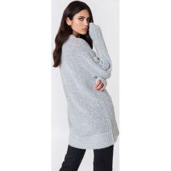 Rut&Circle Sweter Winnie - Grey. Zielone swetry klasyczne damskie marki Rut&Circle, z dzianiny, z okrągłym kołnierzem. Za 141,95 zł.